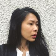 Julie Stephen Chheng, designer et auteure